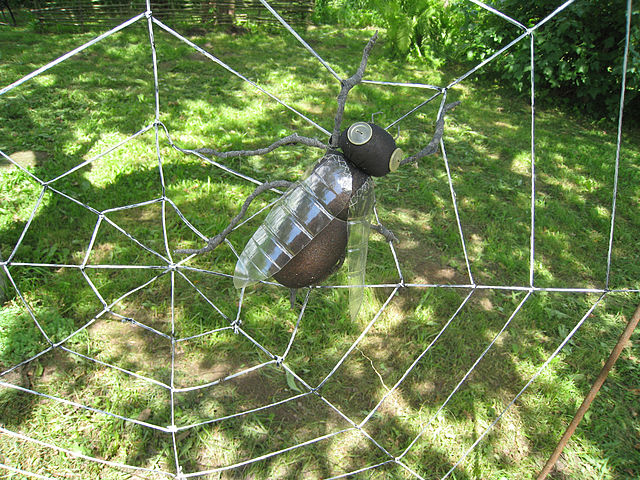 Поделки из пластиковых бутылок паук 58
